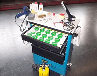 Skrzynia serwisanta do napraw skóry w produkcji samochodów