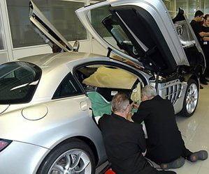 Szkolenie personelu w przypadkach ze skórą w Mercedes-Benz