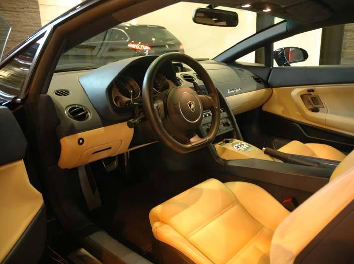 Renowacja skóry w Lamborghini Gallardo