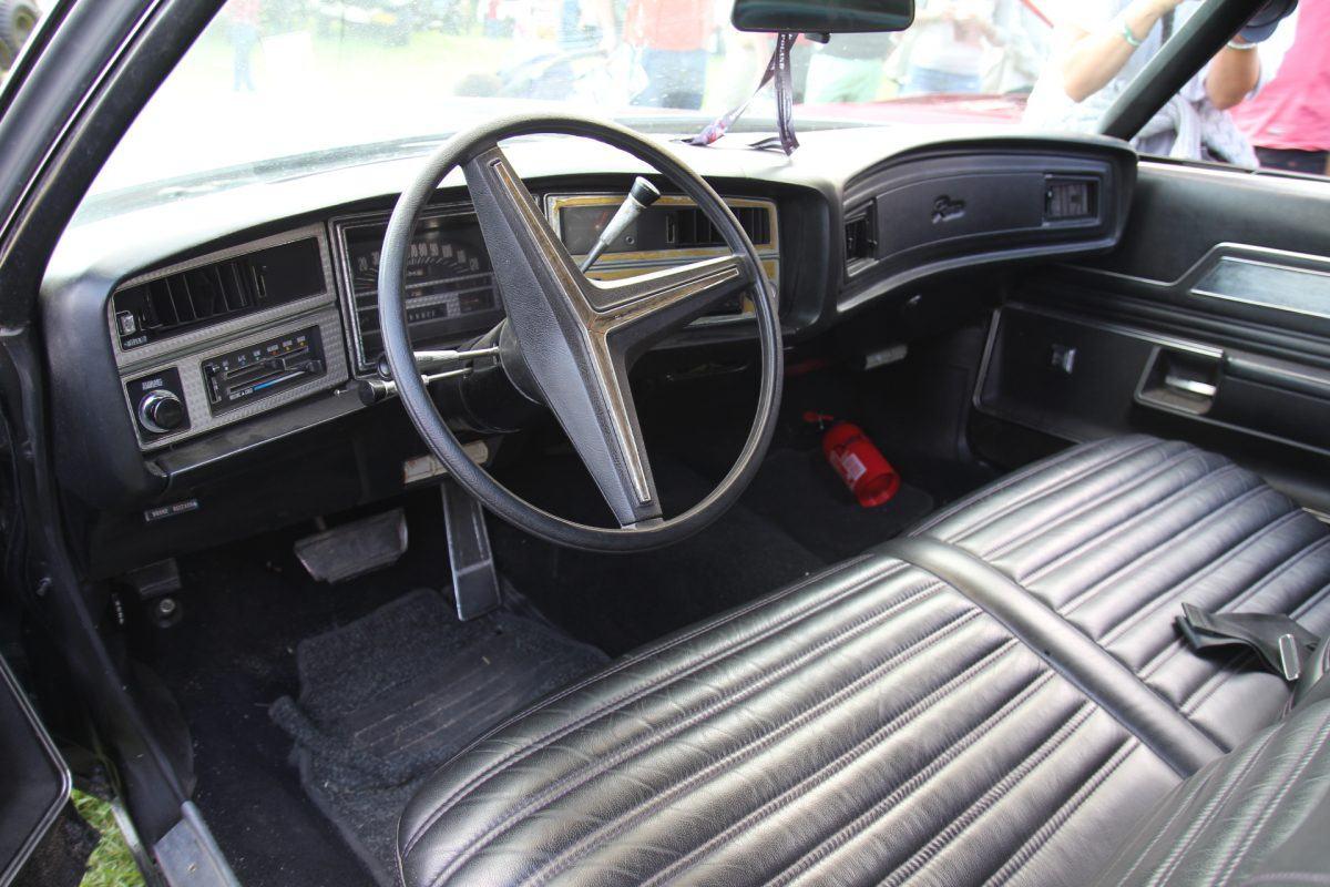 Cadillac Riviera