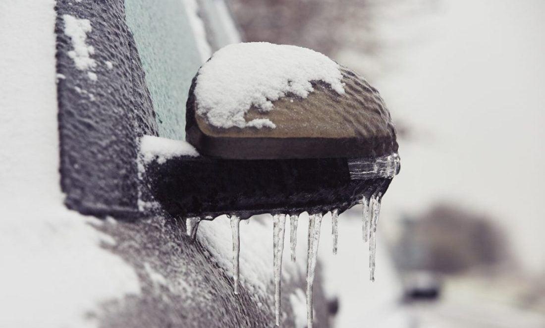 Pielęgnacja tapicerki samochodowej zimą